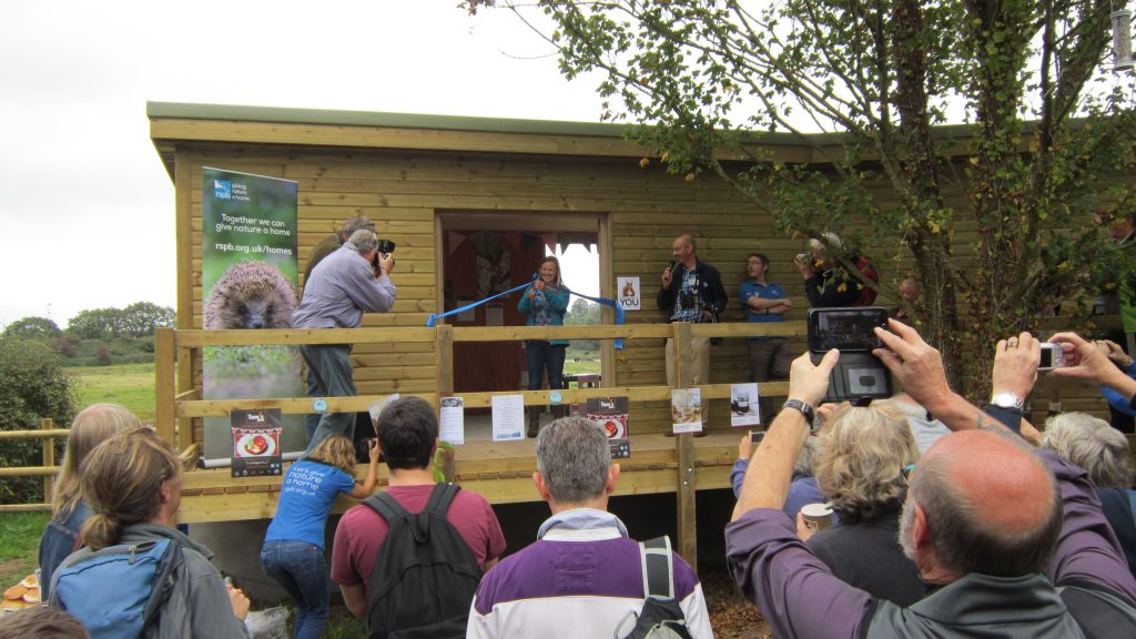 25 opening day cutting of the ribbon by rspb president miranda krestovnikoff bowling green marsh topsham bird hide rspb