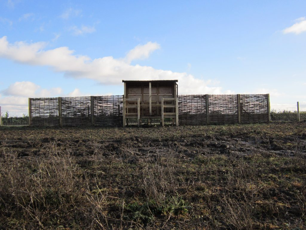 Approach abberton reservoir memorial bird hide blind essex wildlife trust