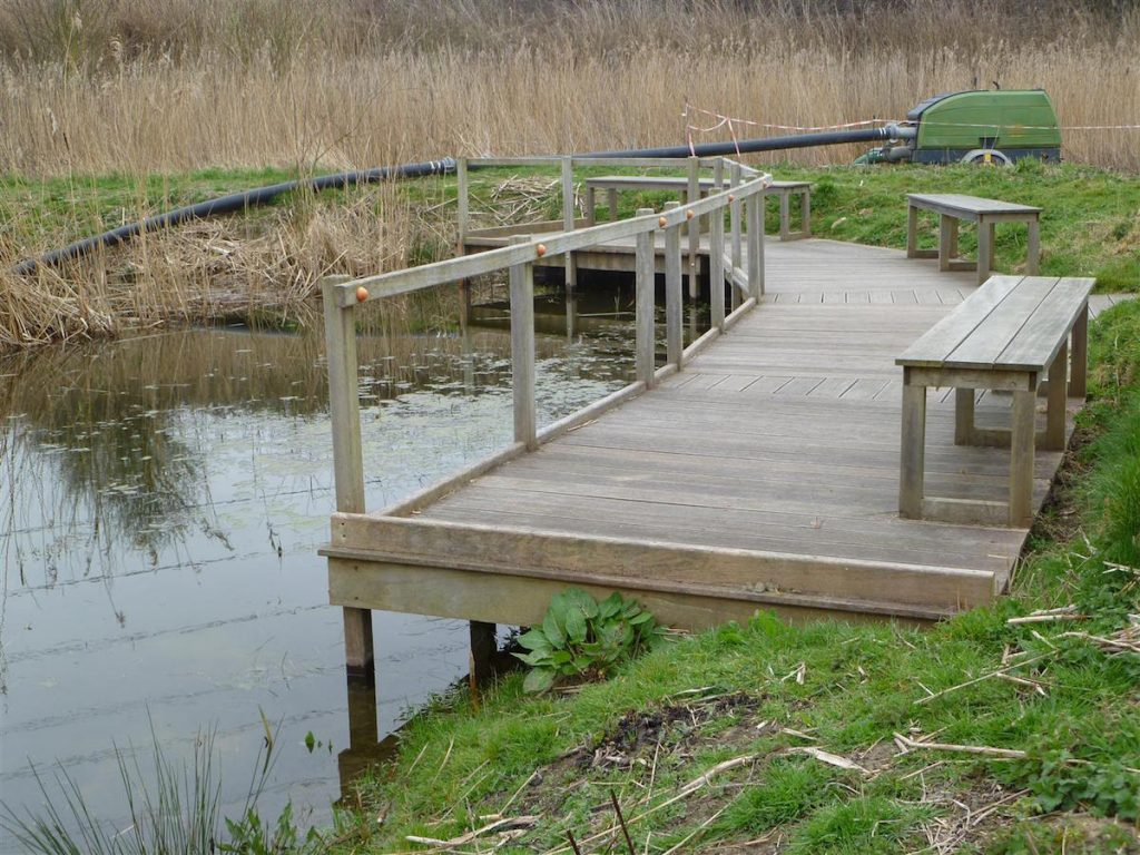 dual-purpose-viewing-platform-and-pond-dipping-platform-by-the-wild-deck-company