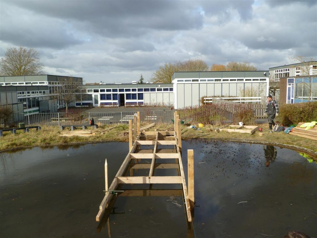 pond-dipping-platform-construction-by-the-wild-deck-company