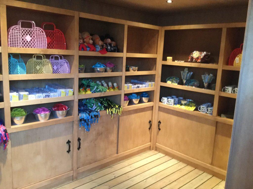 dreamland gift shop interior