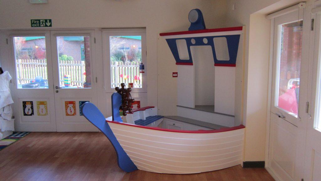 right ship corner seat berkhamsted school